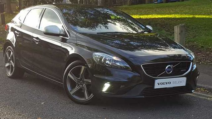 Volvo V40 D2 R-Design, Sports Seats, 17' Alloys, TFT Display & MORE