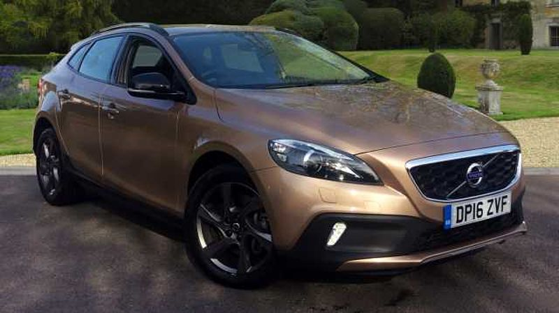 Volvo V40 D2 (120) Cross Country Lux Manual, Leather Trim, Xenons, 17' Alloys, DAB, Bluetooth, USB & MORE