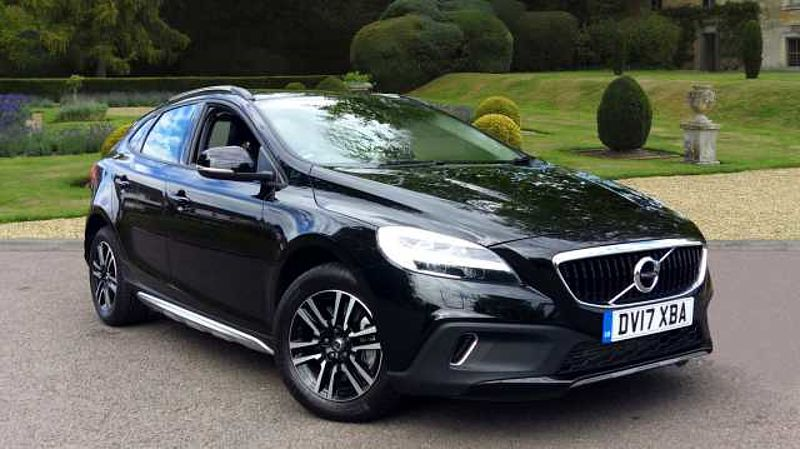 Volvo V40 D2 (120) Cross Country Nav Plus Manual, Nav, Winter Pack, Cruise Control, Rear Sensors, DAB, Leather, Bluetooth & MORE